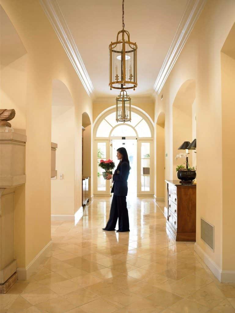 The Peninsula Regent - Hospitality & Dining